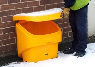 Glasdon Nestor 90 compact grit-salt bin in wintery conditions