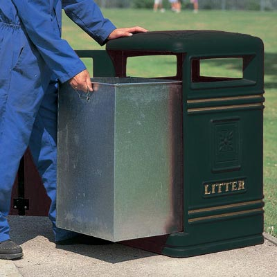 Brunel litter bin - Emptying