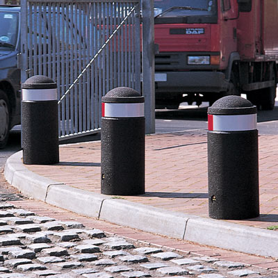 Black 600mm Buffer bollard with red/white retroreflective banding