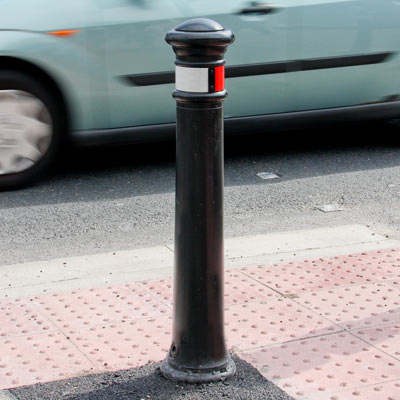 Glasdon Manchester bollard with red/white retroreflective banding