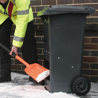 Rollastor portable grit salt bin - Easy to manoeuvre