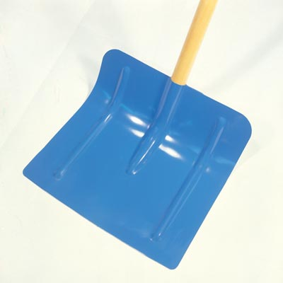 Snowshovel - broad-angled blade to remove even deep snow with ease